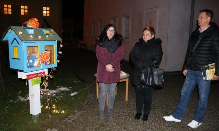 U DVORIŠTU KURIJE JANKOVIĆ Postavljena mini knjižnica