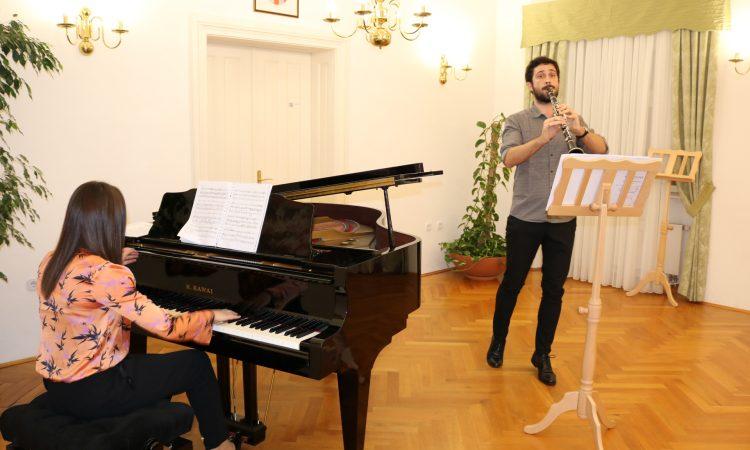 OSNOVNA GLAZBENA ŠKOLA PAKRAC Nastupio mladi klarinetist Branimir Norac