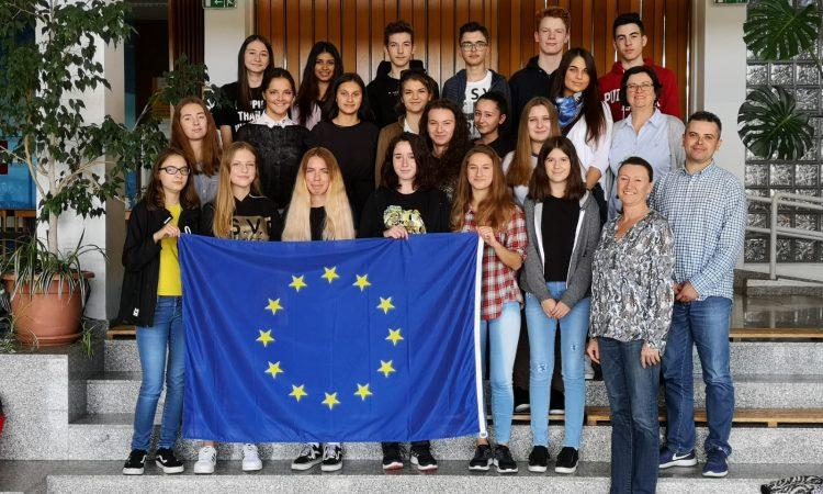 EUROPSKI PROJEKT SREDNJE ŠKOLE PAKRAC Škola ambasador Europskog parlamenta