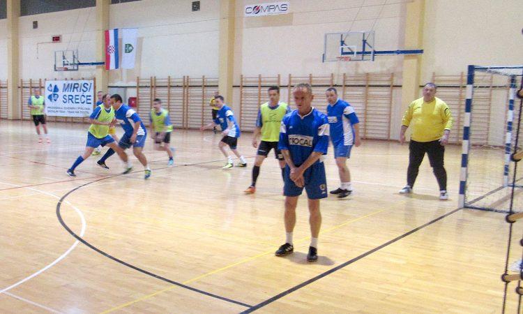 LIPIČKI MALONOGOMETNI TURNIR Četiri pakračke ekipe u seniorskom turniru