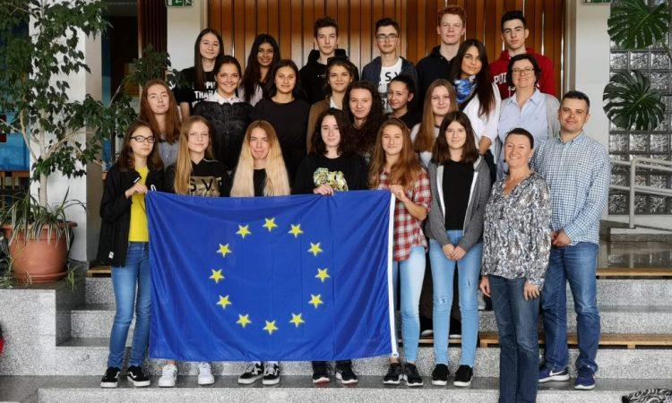 NAGRADNI VIDEO NATJEČAJ EUROSCOLA Glasujte za naše srednjoškolce!