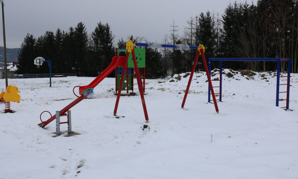 ZAHVALJUJUĆI MAĐARSKOJ VLADI Novo dječje igralište u Prekopakri