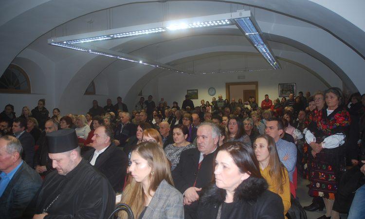 SVETOSAVSKA AKADEMIJA U PAKRACU Kulturnim programom proslavili dan svoga osnivača