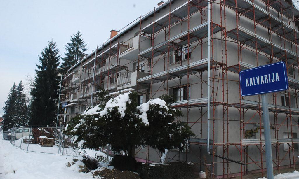 ENERGETSKA OBNOVA STAMBENIH ZGRADA Izvođači još na sedam zgrada