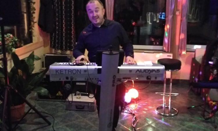 MIROSLAV BADROV, prof. glazbene kulture: Moj je život pjesma, doista!