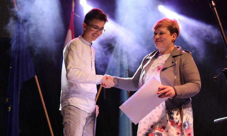 SREDNJA ŠKOLA PAKRAC Županijski prvaci u 23 kategorije