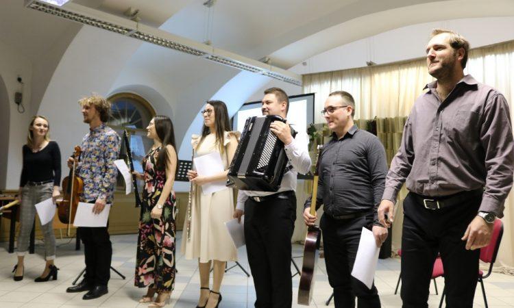 DAN OGŠ PAKRAC Obilježavanje završeno smotrom zborova i koncertom učitelja