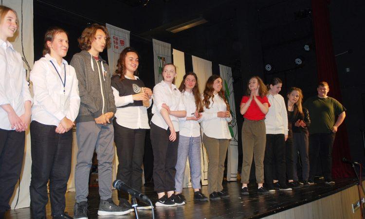 KAZALIŠNA PREDSTAVA U HRVATSKOM DOMU Mladim glumcima vrijeme nije ukradeno