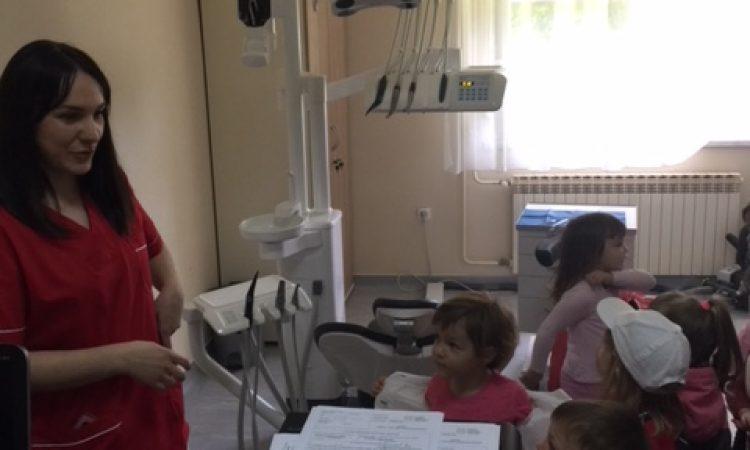 """DJEČJI VRTIĆ """"MASLAČAK"""" Pakrački mališani u preventivnom dentalnom programu"""
