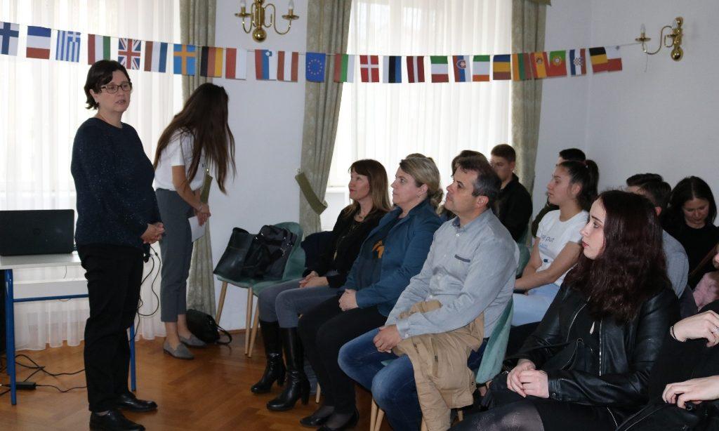 OGŠ I SREDNJA ŠKOLA PAKRAC Koncertom i prezentacijom projekta obilježili Dan Europe