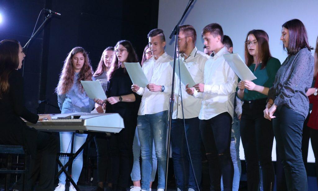 SREDNJA ŠKOLA PAKRAC Svečanim programom obilježili Dan škole