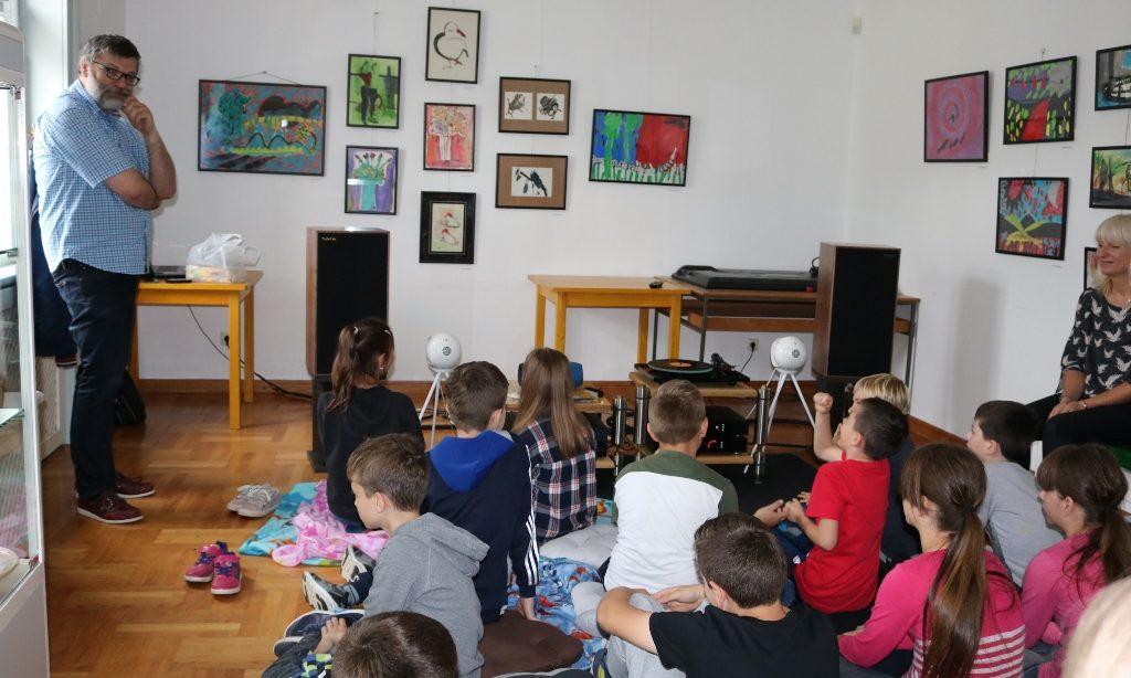 MULTIPAK 2019. Slušaonicama za osnovnoškolce započeo ovogodišnji program Multipaka