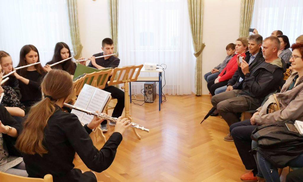 """OGŠ PAKRAC Nagrađeni učenici predstavili se koncertom u """"svojoj kući"""""""