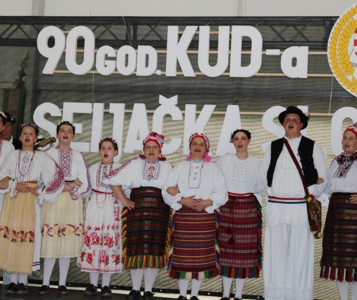 """90 GODINA KUD-A """"SELJAČKA SLOGA"""" PREKOPAKRA Rođendansko slavlje uz ples, pjesme i tambure"""