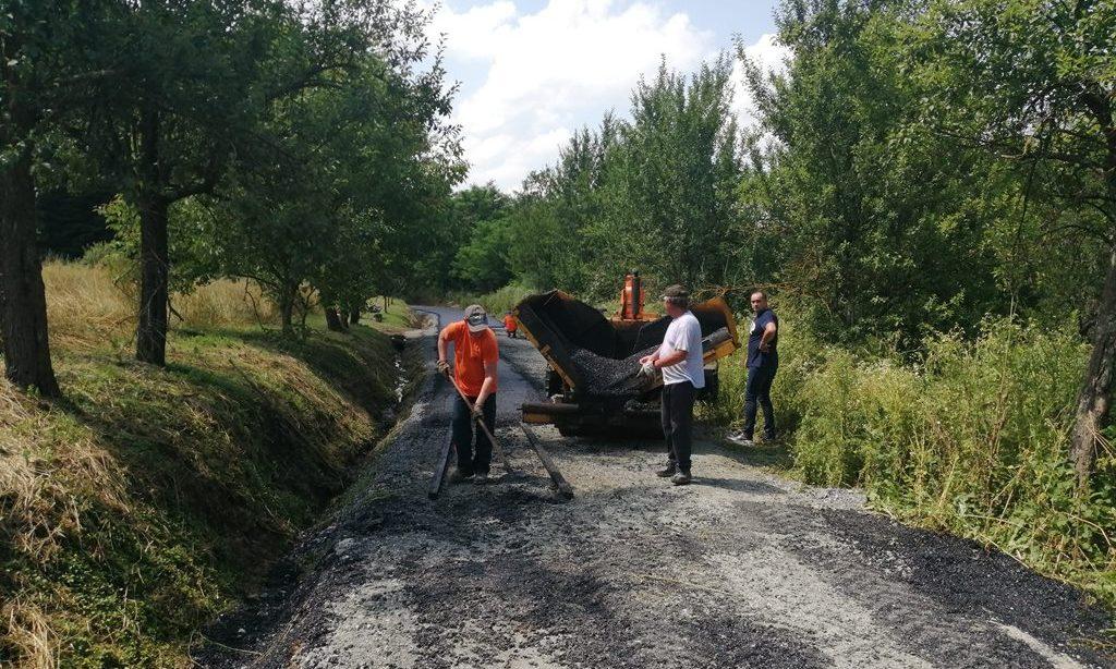 VELIKI BANOVAC Nastavak asfaltiranja ceste prema groblju