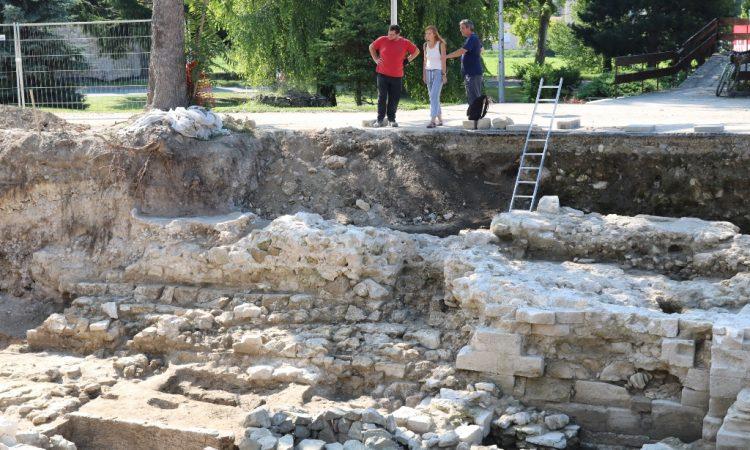 ZAVRŠENA OVOGODIŠNJA ARHEOLOŠKA ISTRAŽIVANJA U potpunosti otkriveni ostaci gotičke crkve