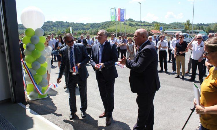 (PROMO)PODUZETNIČKI INKUBATOR LIPIK-VRIJEDNOST 20.770.929,65 KN Poduzetnički inkubator Lipik svečano otvorio ministar Darko Horvat