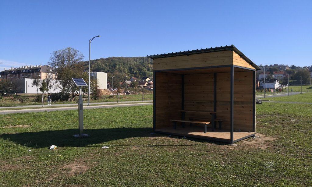 U PAKRAČKOJ SPORTSKOJ ZONI Postavljena biciklistička kućica za odmor