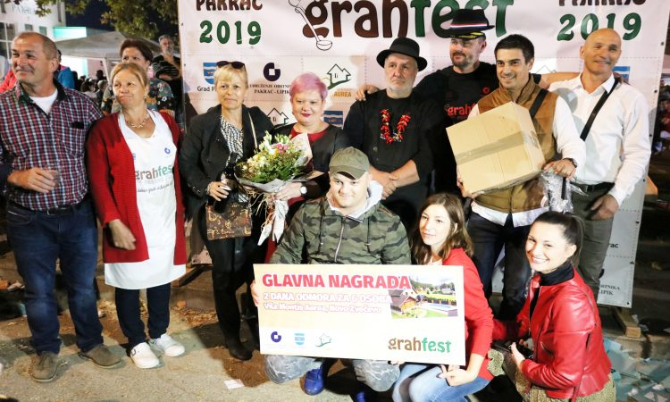 SLAVONSKI BANOVAC 2019. / GRAHFEST Nova lokacija oduševila – Šugići skuhali najbolji grah! Opet!