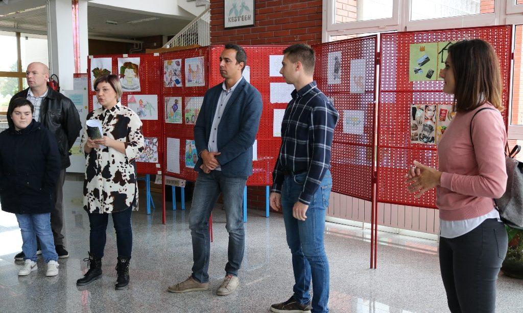 KLUB MLADIH AURORA Izložba likovnih radova kao zahvala za volontersku akciju mladih