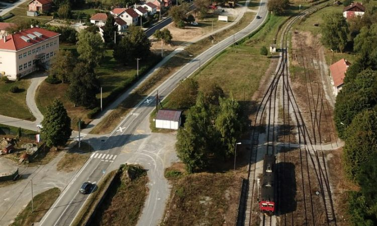 HŽ UVEO DODATNE POGODNOSTI Besplatan prijevoz vlakom za srednjoškolce