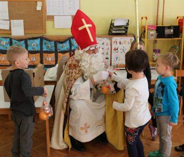Sveti Nikola u vrtićima, školama i na pedijatriji