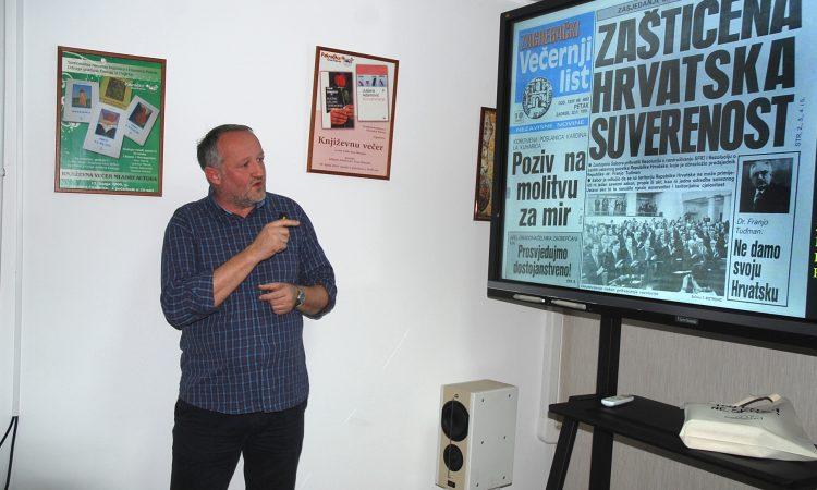SINOĆ U GRADSKOJ KNJIŽNICI Predavanjem počelo obilježavanje događaja iz 1991. godine