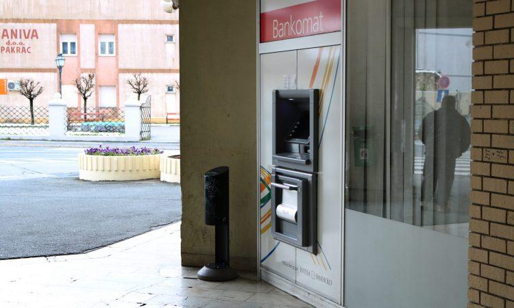 PRIVREMENO UKIDANJE NAKNADA Podignite gotovinu na najbližem bankomatu