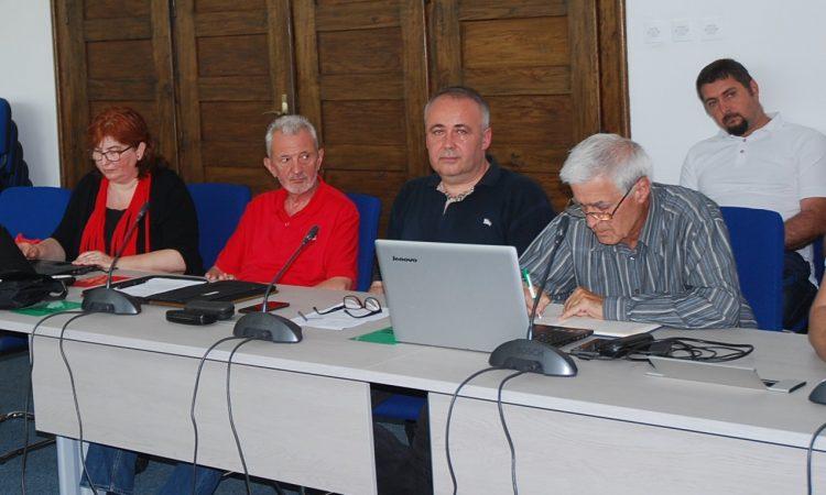 KLUB VIJEĆNIKA SDP-A  Izglasane gospodarske mjere su nedovoljne