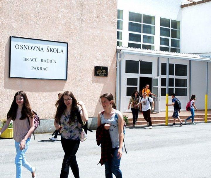 U školu se vratila većina mlađih učenika, u vrtić polovina