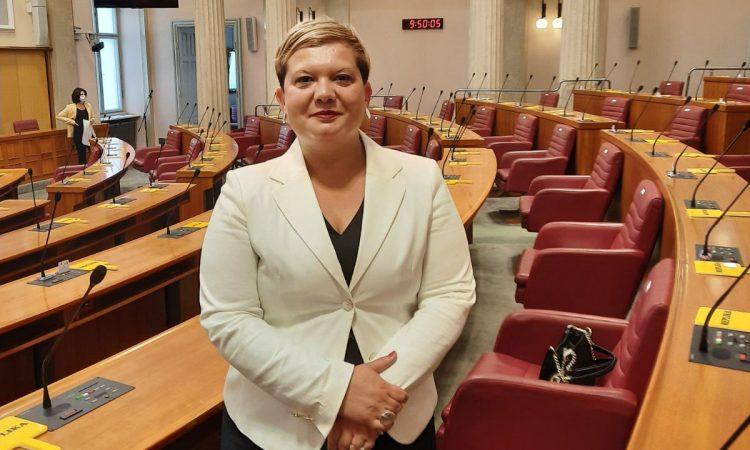 OD JUTROS: A. Blažević i službeno saborska zastupnica