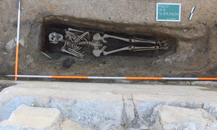 ZAVRŠETAK OVOGODIŠNJIH ARHEOLOŠKIH ISTRAŽIVANJA: Istraženo 13 grobova, pronađeno i dosta keramike