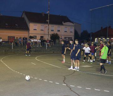 MALONOGOMETNI TURNIR: Pakračke ekipe love titulu protiv Garešničana