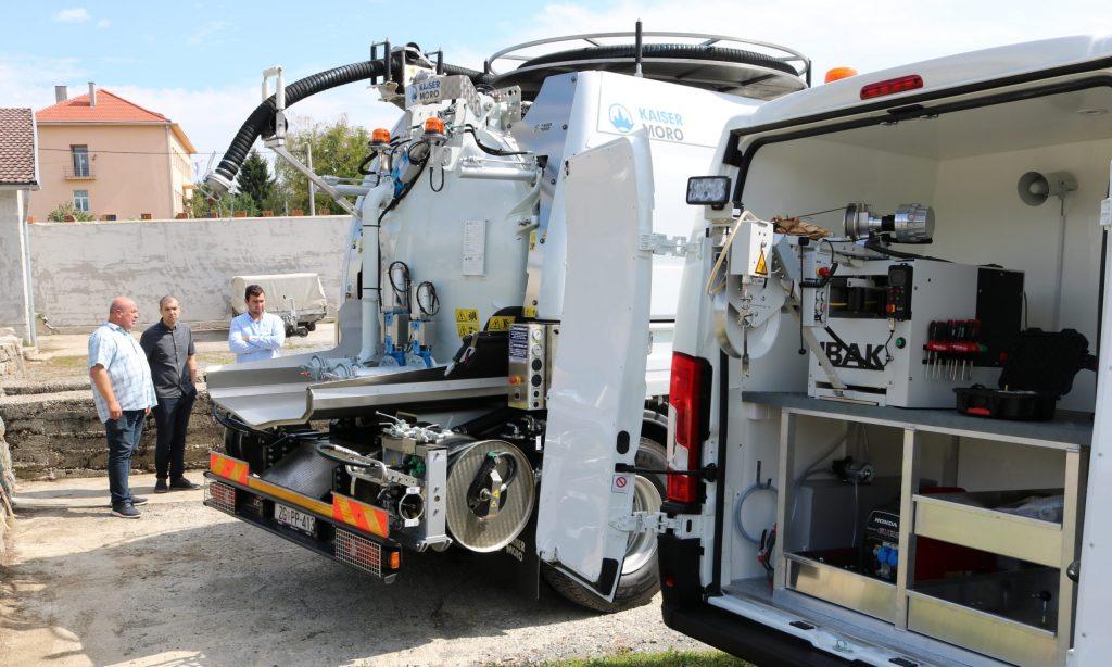 AGLOMERACIJA – VODE LIPIK  Isporučena specijalna vozila vrijedna 2,9 milijuna kuna
