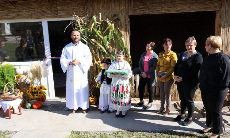 UDRUGA ŽENA DONJA OBRIJEŽ Etno soba na ponos cijelog sela