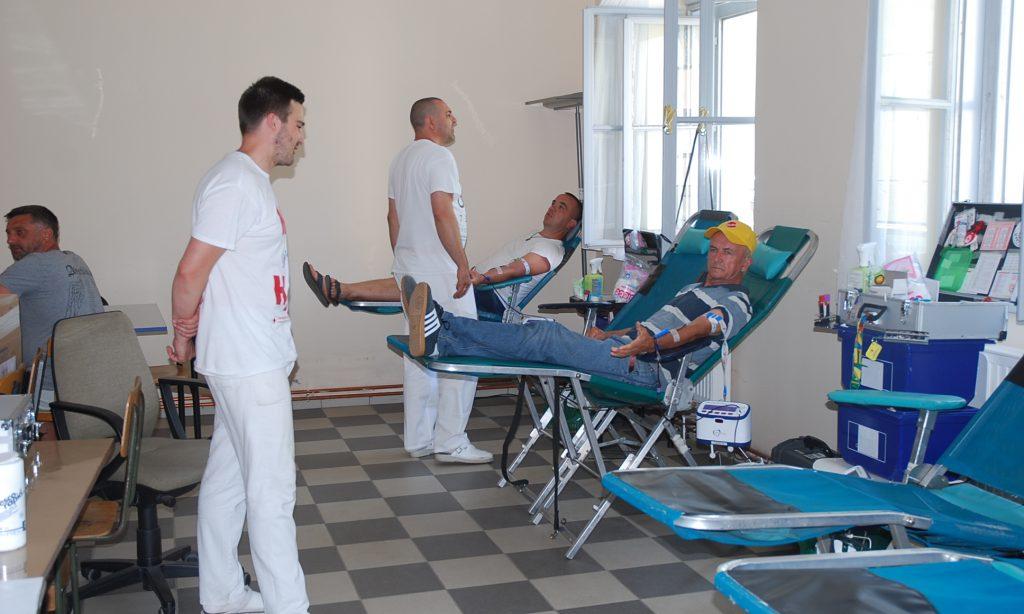 DAN DOBROVOLJNIH DARIVATELJA KRVI: Saša Barčan krv dao sto puta