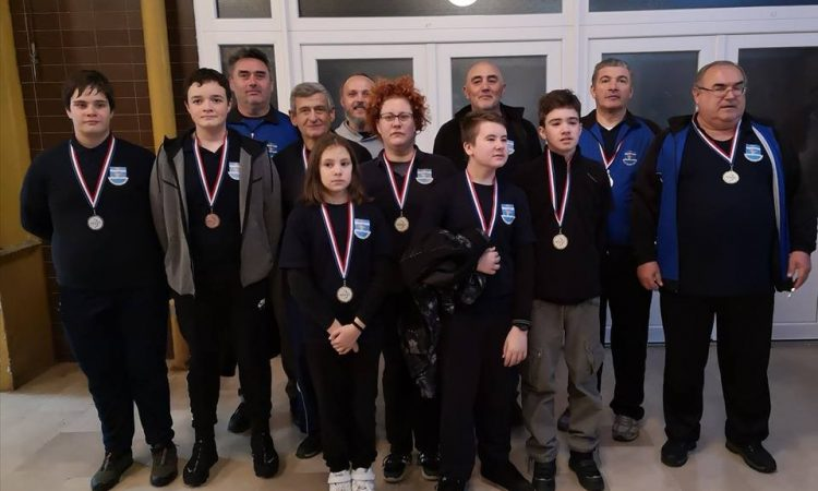 "SK ""KUNA"" Četiri zlata na turniru u Sisku"